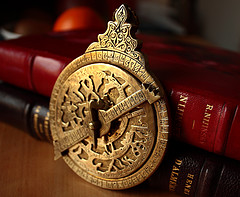islamic-astrolabe